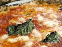 ピザはナポリだけじゃない!イタリアのソールフード「ピザ」は町によってこんなに違う!