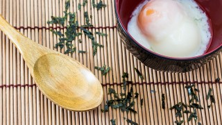 【簡単レシピ】旅館の朝食で食べるような、とろける温泉卵の作り方