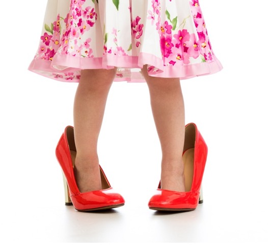 外国人は日本人女性の歩き方を「鳩のよう」だと思っている!?