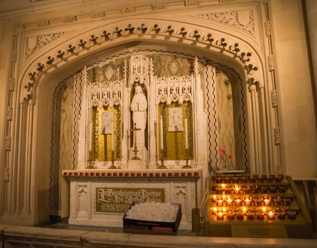 【ニューヨーク】心の重荷を下ろす場所。全米最大の教会 聖パトリック大聖堂(St. Patrick's Cathedral)