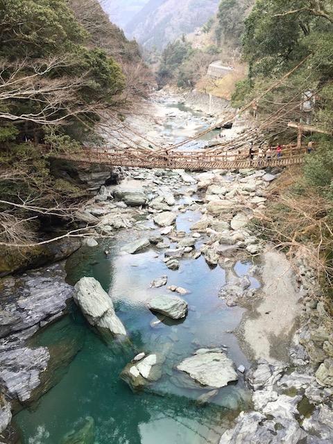 【徳島】日本三大奇矯「かずら橋」を渡ってみたら、死ぬほど超怖かった