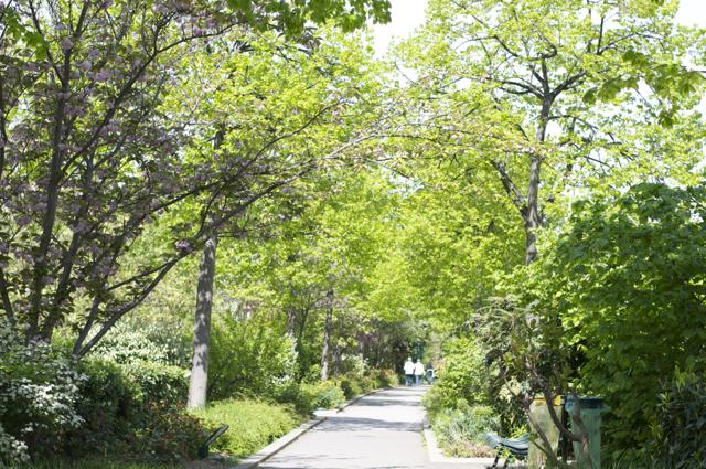 旧パリ国鉄の高架跡 緑の散歩道