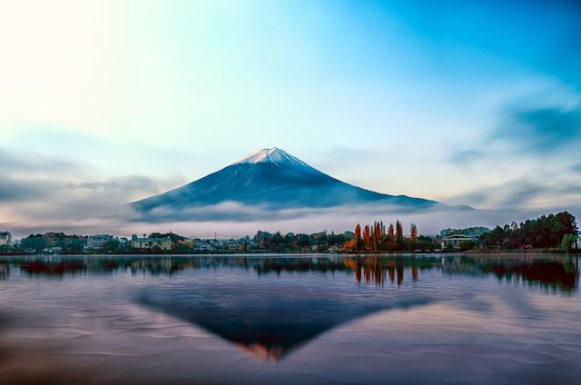 週末に気軽に訪れたい、富士山を望む絶景の温泉宿