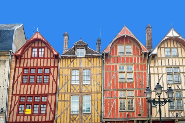 パリから日帰りで行きたいフランスの美しい田舎街7選