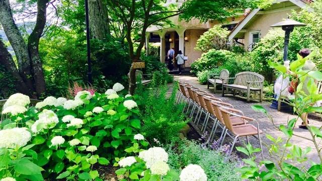 【鎌倉】石窯パンと旬の野菜。お寺の中にある斬新な人気カフェレストラン