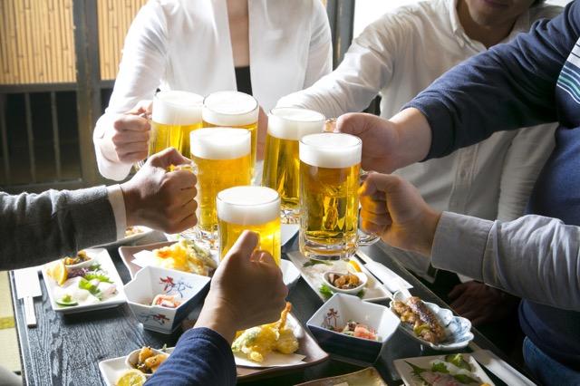 外国人観光客が不思議がる日本のレストラン事情~酒場のご飯が美味しいなんて!~