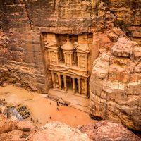 目を疑うような神秘の場所、ヨルダンにある古代都市「ペトラ」