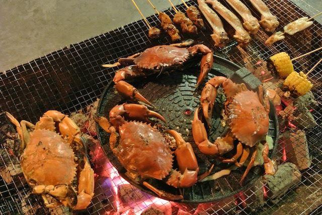 メインは焼き蟹! マネしてみたいマレーシアンBBQ