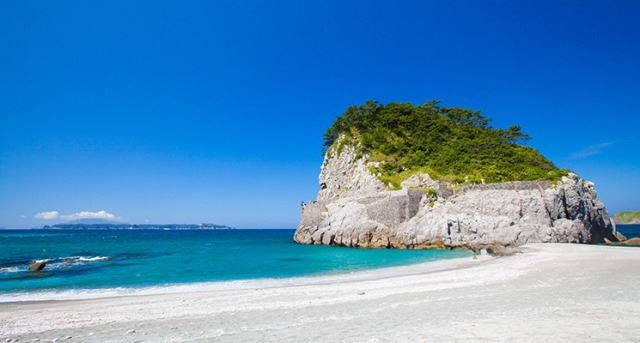 夏の間にフラリと訪れたい!東京から気軽に行ける離島5選
