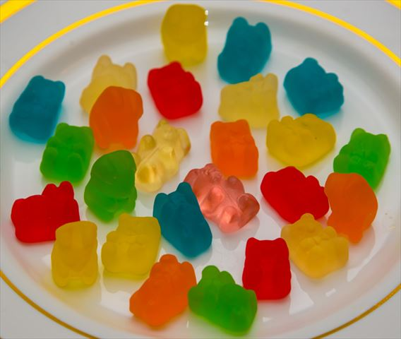 【女子会のお楽しみ】キラキラ宝石みたいなグミのデザート・ドリンク