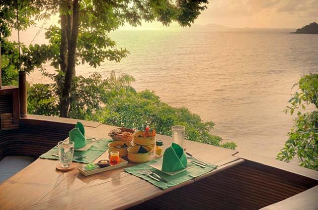 いつもと違ったディナーはいかが?タイの島の木の上レストラン