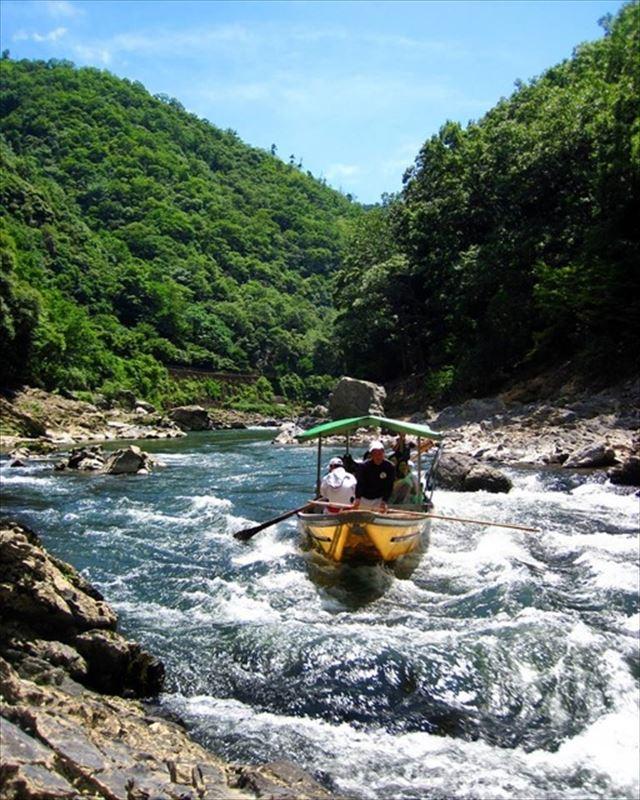 伝統と自然美を体験できる、京都保津川下り