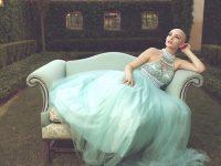 ガンは、私の美を奪えない。治療で髪を失った17歳の少女