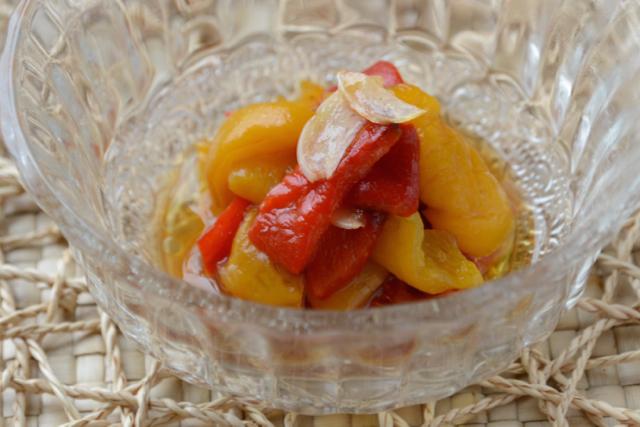【簡単レシピ】おしゃれで美容にもいい、栄養満点パプリカの作り置き常備菜