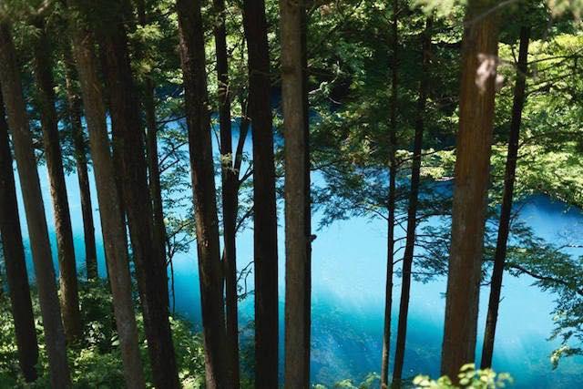 【秋旅ひとり温泉宿】紅葉と四万ブルーの四万温泉露天風呂三昧