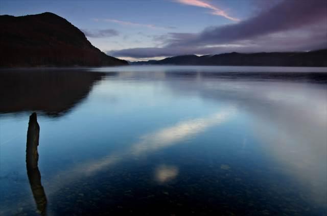 ネッシーに出会えなくても訪れたい。静寂さえも美しい、神秘的なネス湖