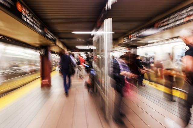 旅行者は要注意!NY地下鉄でマナー違反に罰金