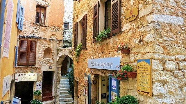 一生に一度は行ってみたい!フォトジェニックな南フランスの可愛い村6選