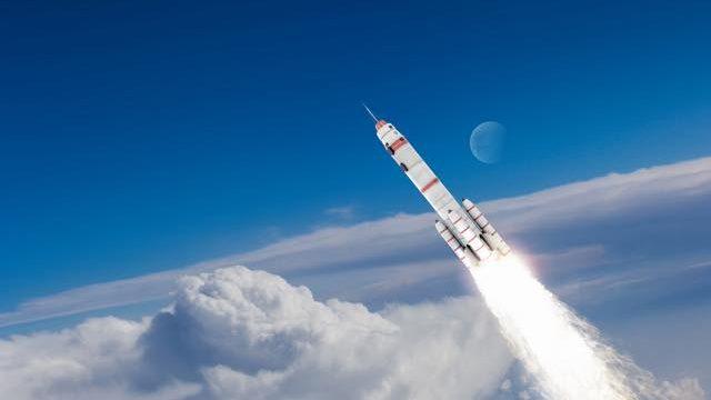 狭い地上は旅し尽くした。それならロケット打ち上げの旅へ出てみよう