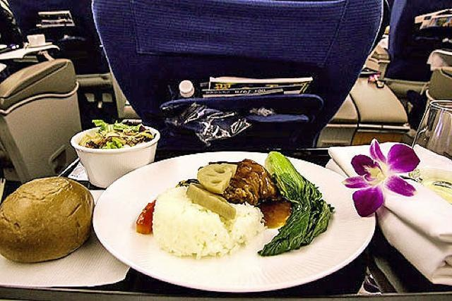機内食レポート。ANA(全日空)「ホノルル~羽田」ビジネスクラス