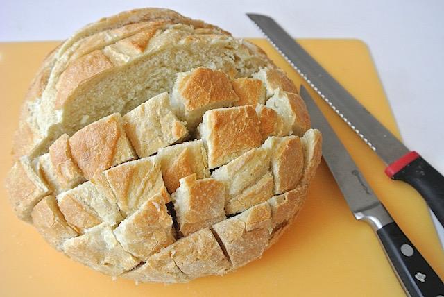 おもてなしにも!SNSでも話題のちぎりパン「プルアパートブレッド」レシピ