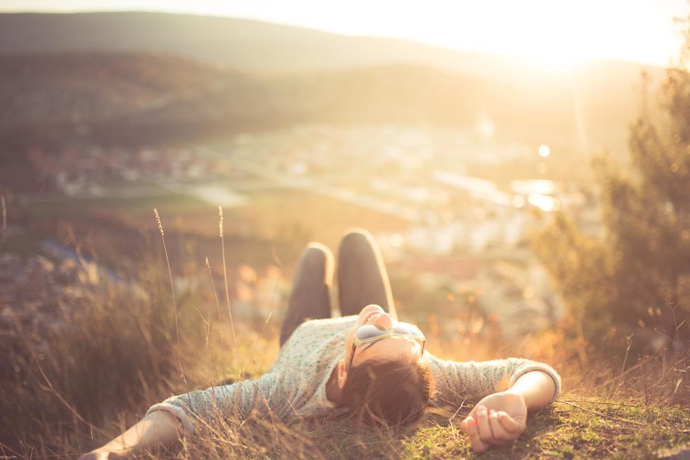 旅をする方が買い物するよりずっと幸福度が高い事が判明!