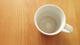 漂白剤は要らない!【茶渋を真っ白にする身近な調味料】が超使えると判明