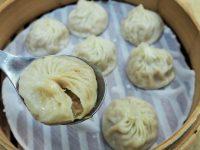 コスパ抜群!台北っ子に人気のスープたっぷり小籠包「明月湯包」