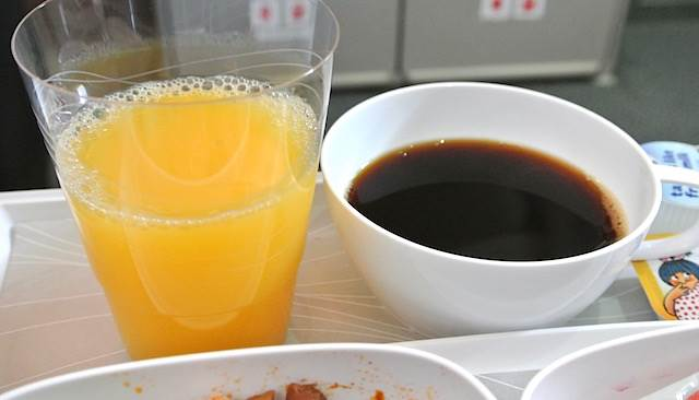 【機内食で世界巡り】エミレーツ航空 機内特別食「アジア風ベジタリアンミール」