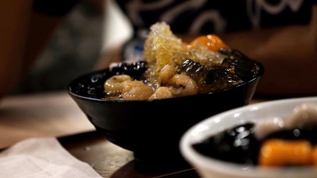 台湾でいただく真っ黒なスイーツ「仙草ゼリー」