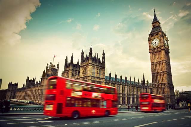 トラムやバスで移動する気ままな旅で、ツアーバスを卒業しよう!
