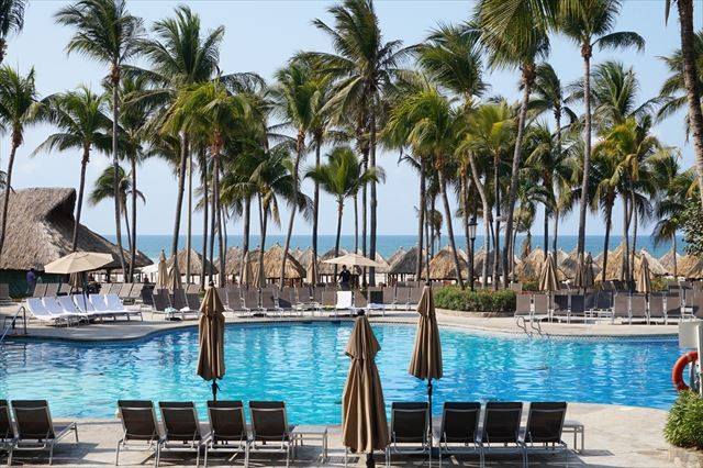 まるで宮殿の豪華すぎるリゾートホテルも!メキシコ通はアカプルコに注目?