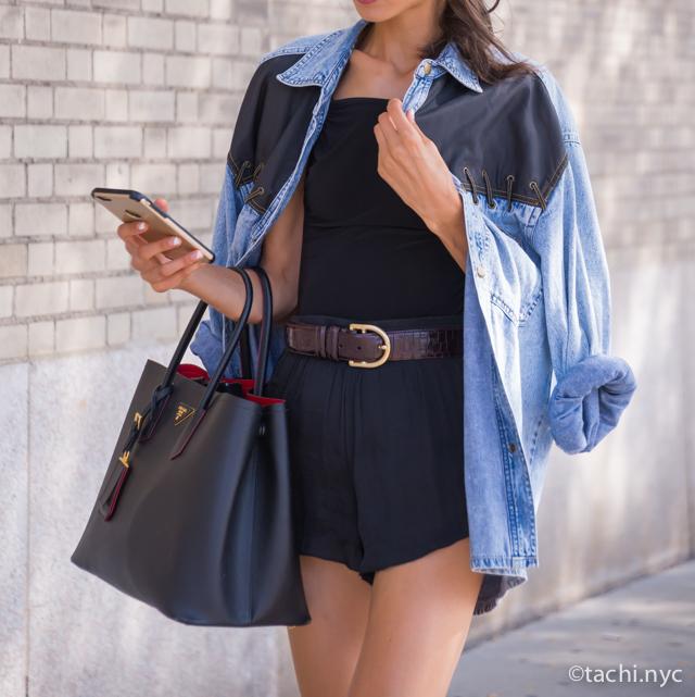 【世界で最も人気が高い色】ニューヨーカーに学ぶ、初夏のブルーの着こなし方