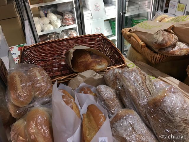 【ニューヨーク】極上のチーズとプロシュート。100年間良質の味と対面販売を守ってきたイタリアン・デリ