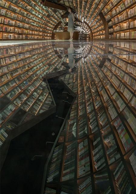 まるで本の宇宙?超フォトジェニックな中国のブックストア