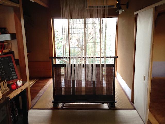 たどり着くのに覚悟が必要!?横須賀の山の上に佇む超隠れ家カフェ「ツキコヤ」
