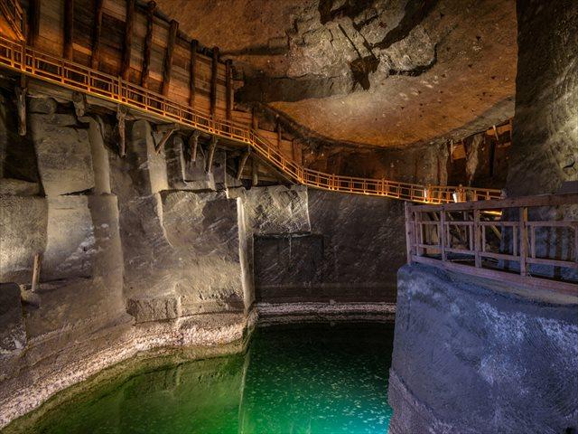 「ポーランドの京都」クラクフ、アウシュビッツ、ヴィエリチカ岩塩坑、3つの世界遺産をめぐる旅