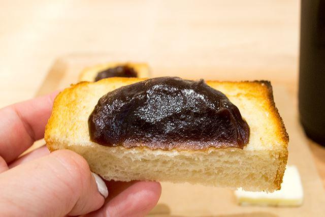 小倉派?こしあん派??「TORAYA CAFE・AN STAND」のあんトーストが美味しい!