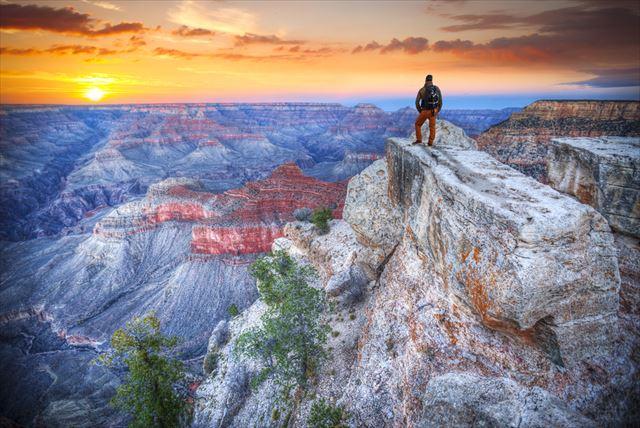 【世界遺産クイズ】グランドキャニオンでみられる最も古い地層は○○億年前