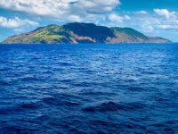 シチリア島から高速船で!火山島エオリエ諸島の硫黄温泉へ