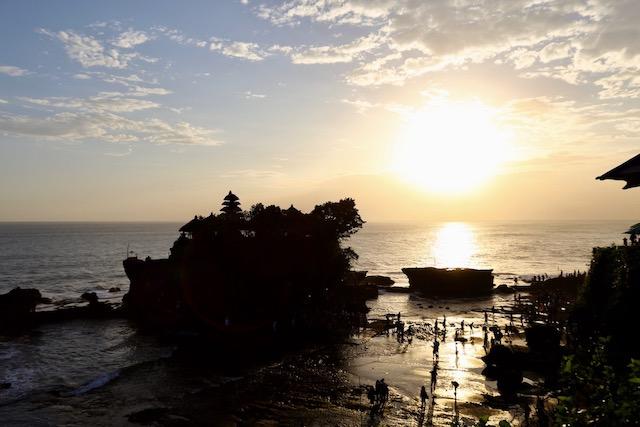 夕陽が有名なタナロット寺院は他にも見所が満載!