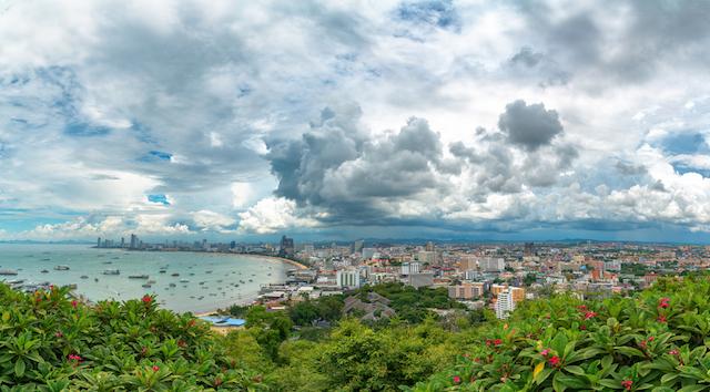 【サマーレイン】雨だからこそ美しい世界の風景