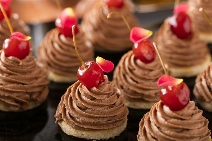秋のデザートブッフェ チョコレートの森から Sweets Wonderland