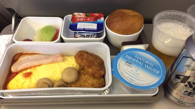 【機内食ルポ】キャセイパシフィック航空エコノミークラス「成田〜香港」