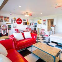 今まで見たことないコカ・コーラの世界観! ホテルの客室が丸ごとコークに!!