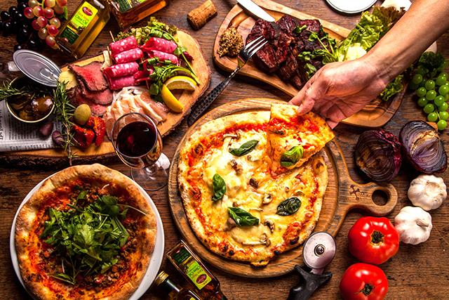 フォトジェニックな「グラタンピザ」など、限定ピザが勢揃い!「秋ピザ」フェスタ、開催!