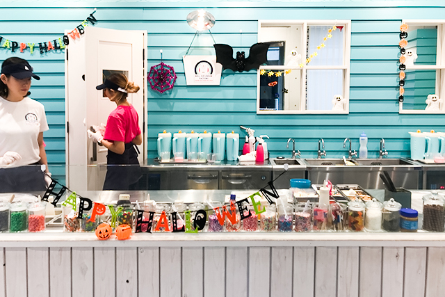 【原宿・表参道】行列ができる「くるくる」の新感覚アイスクリーム「ロール アイス クリーム ファクトリー」に行ってきた