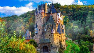 世界の美しい幽霊城!女性が絡むとなお怖い!?勝手にトップ5。