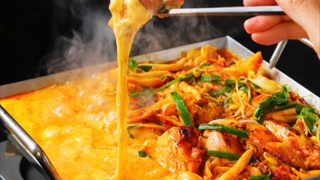 とろ〜りチーズがたまらない!チーズ好き必見の「チーズジェニック」な鍋が続々登場!