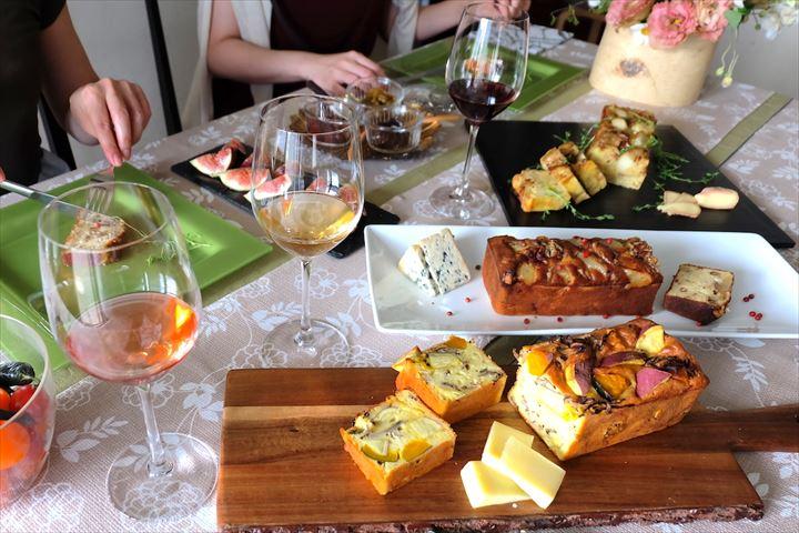 """おもてなしやワインのお供にも チーズが主役の""""ケーク・サレ""""レシピ3種"""